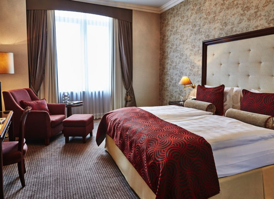 Superior room in Frankfurt - Steigenberger Frankfurter Hof, room