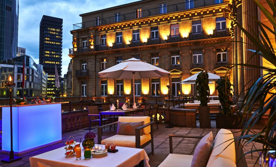 Luxury hotel in Frankfurt - Steigenberger Frankfurter Hof, Frankfurt - Outdoor terrace