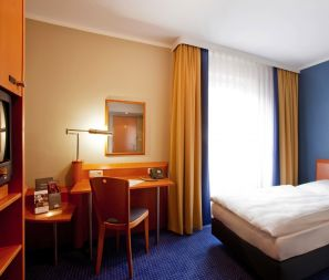 Steigenberger Hotel Stadt Hamburg, Wismar – standard single room