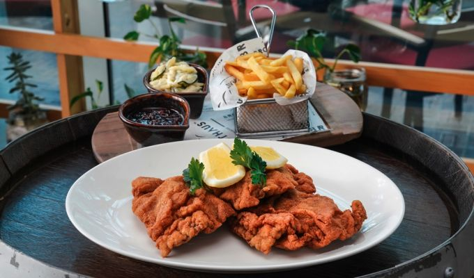 Steigenberger Hotel Business Bay, Dubai - Schnitzel Wednesday