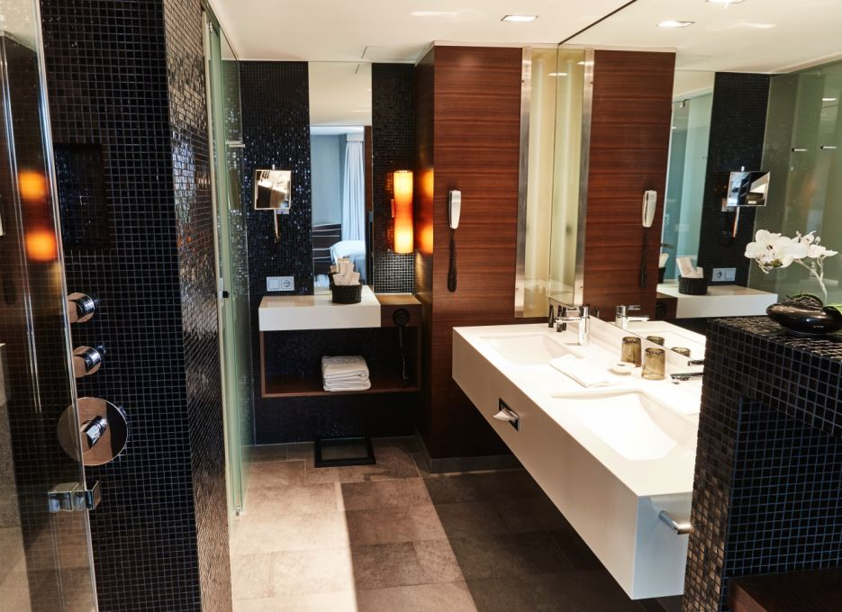 Steigenberger Airport Hotel, Frankfurt - Executive Suite, Badezimmer