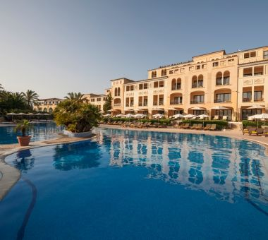Steigenberger Hotel & Resort Camp de Mar, Mallorca - Aussenansicht mit Pool