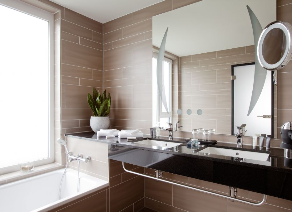 Junior Suite in Brunswick - Steigenberger Parkhotel Braunschweig, bath room