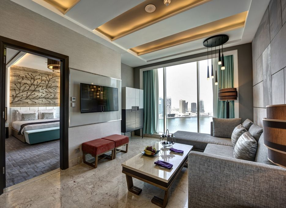 Steigenberger Hotel Business Bay, Dubai - CEO Suite, Living Room